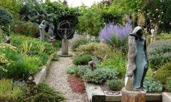 VL Garden Sculpture